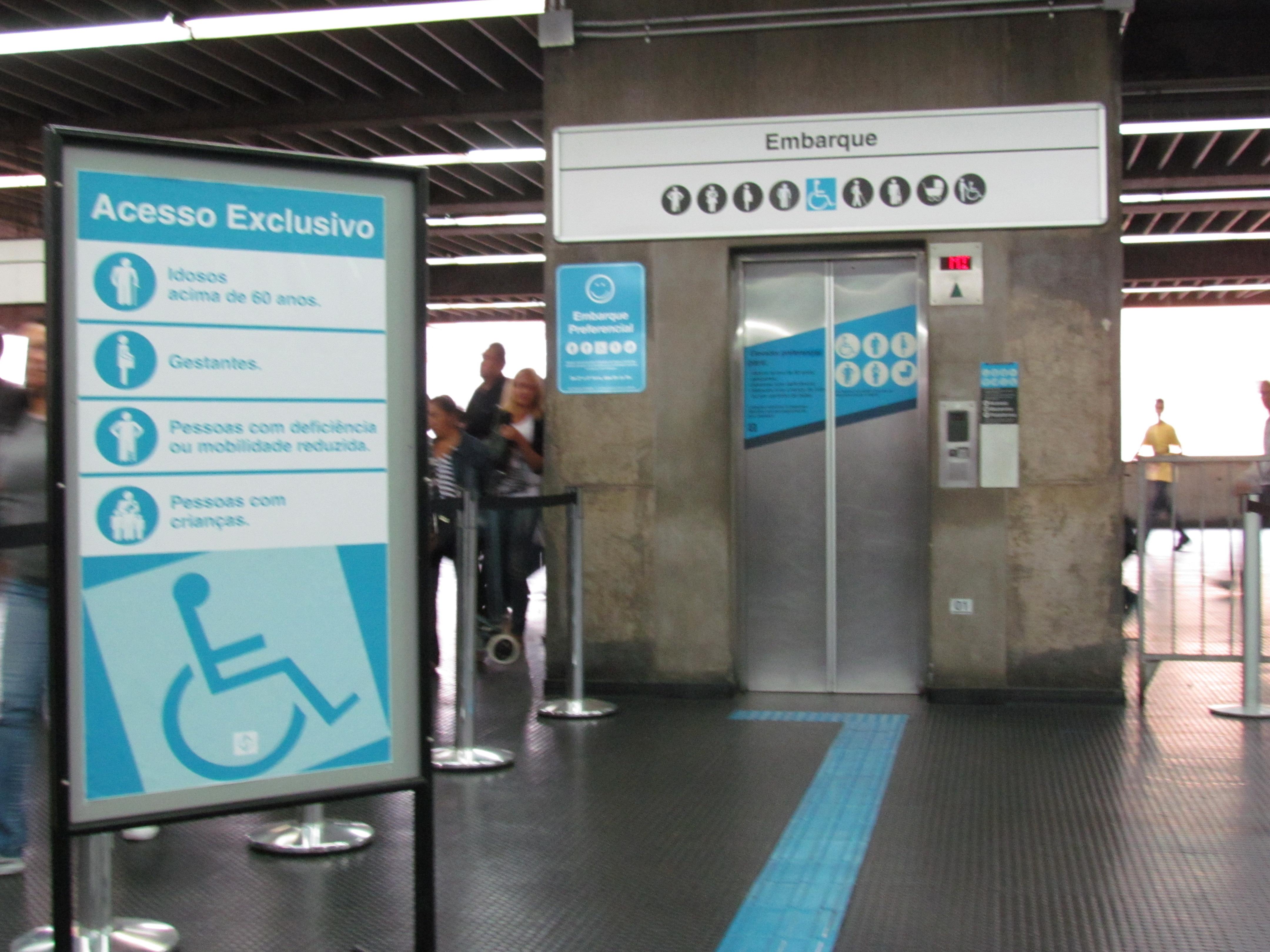 Investimento no Metrô de São Paulo garante acessibilidade e  #2C869F 4320 3240