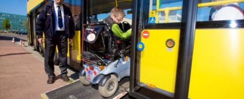 The BVG fleet of buses is completely wheelchair-accessible. Hydraulic ramps make it easy to get in and out
