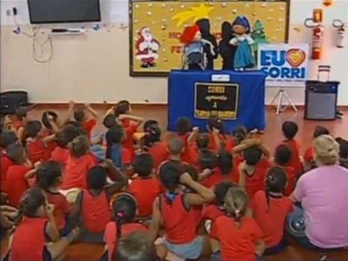 Clique em cima da imagem para assistir o vídeo sobre a matéria do Teatro de Bonecos da Sorri Bauru