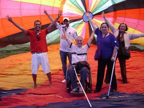 Cadeirante Gilberto Porta conta a realização de seu sonho de infância de voar de balão