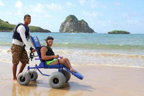 Pousadas, atrativos, equipamentos, bares e restaurantes de Fernando de Noronha irão receber capacitação para receber pessoas com deficiência