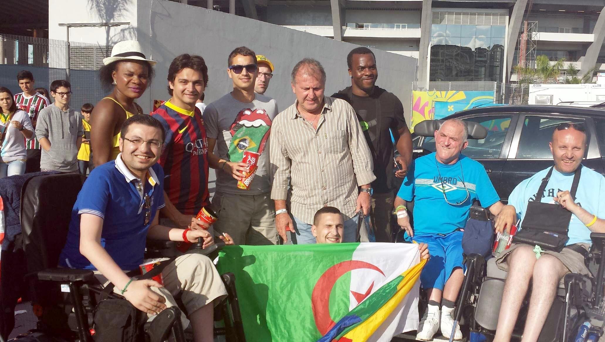 Las personas con y sin discapacidad puedan disfrutar de la experiencia  #089EC3 2062x1166 Adaptação Banheiro Cadeirante