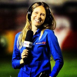 Joanna de Assis começou na Gazeta Esportiva, passou pelo Terra, UOL, Globoesporte.com e Placar. Atualmente é repórter e comentarista no SporTV