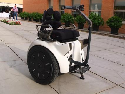 O encosto Tarta juntamente com a facilidade de mobilidade da Genny Mobility, adiciona mais conforto ao usuário