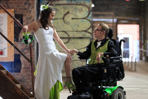 Natalie and Tim arranged his marriage and his party with accessibility without losing the glamor