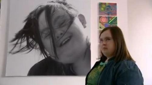AfterLife apresenta o talento de Paula Sage, de 23 anos, escocesa e que nasceu com a síndrome de Down.
