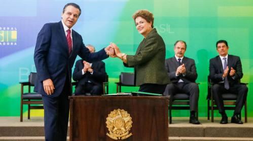 O ex-deputado e ex-presidente da Câmara Henrique Eduardo Alves assumiu o cargo de ministro de Estado do Turismo.