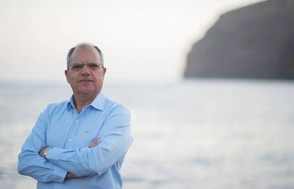 El candidato a la Presidencia del Cabildo por ASG considera que la Isla debe adaptarse a las necesidades de los viajeros con discapacidad o movilidad reducida