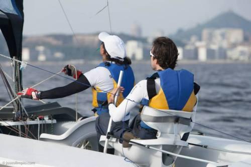 Marinalva e Bruno na Baía de Guanabara, que receberá as regatas da vela em 2016