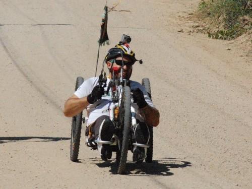 Aventura inclui trilhas de handbike e rafting pelas corredeiras do Rio Novo. 'Expedição Inclusiva' conta ainda com participação de deficiente visual.