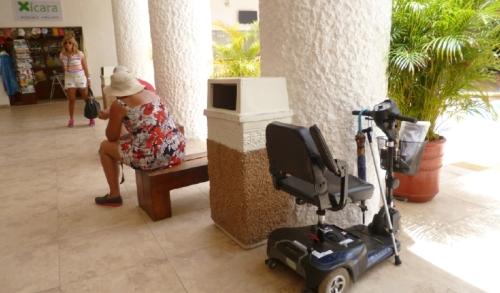 La empresa Mabily Souters quiere implementar el servicio de sillas de rueda eléctricas en Chichén