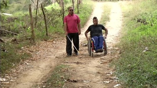 'Escolhemos a cachoeira da Fumaça e a Pedra Selada', diz secretário. Iniciativa conta a orientação de um deficiente visual e de um cadeirante.