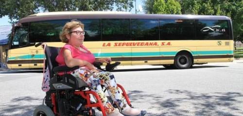 La viajera veía abortado su trayecto por una supuesta avería en la rampa de acceso habilitada para personas con discapacidad