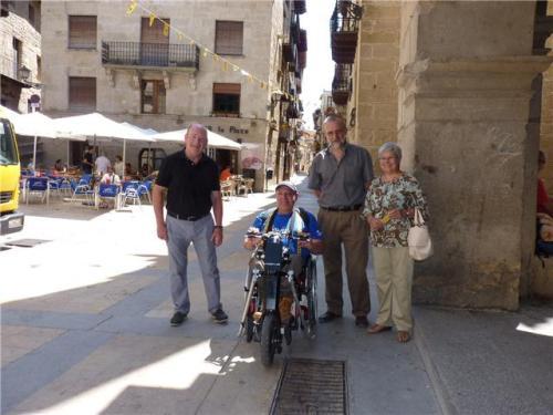 Nonay visitó ayer Valderrobres acompañado de representantes del Ayuntamiento y de la Comarca del Matarraña