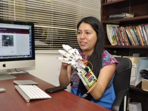 Protótipo detecta movimentos realizados pelo usuário com a mão e os associa a letras do alfabeto internacional (de 26 letras)