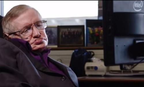 Stephen Hawking está promovendo cadeira de rodas da Intel com sistema ACAT integrado
