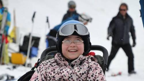 La fundación 'Todos Podemos' ofrece clases de esquí adaptado en Villa La Angostura a chicos con discapacidad