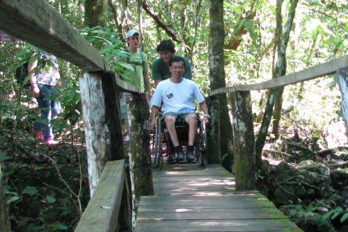 Ricardo Shimosakai avalia a acessibilidade em Bonito (MS)