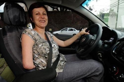 Vittoria Carbonara, de 45 anos, funcionária pública - 'Minha deficiência não me impede de fazer o que quero'