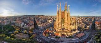 Barcelona (Espanha) - Desde 1992, quando se remodelou para receber as Olimpíadas, Barcelona tem sido uma referência em turismo acessível