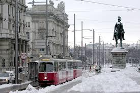 Viena (Áustria) - Viena consegue preservar seu passado histórico e sua vocação musical, sem dar as costas para a modernidade