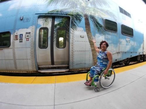 Débora compartilha experiências pelo mundo através do portal viagemacessivel