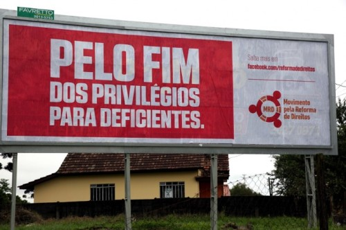 Outdoor do grupo intitulado Movimento pela Reforma de Direitos, em Curitiba