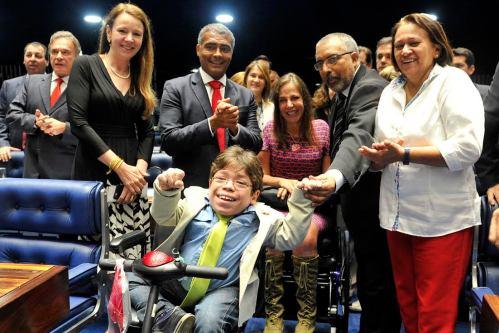 Comemoração no plenário Senado pela aprovação da Lei Brasileira de Inclusão da Pessoa com Deficiência