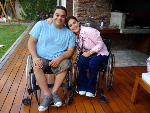 Jorge Triaca (ministro do trabalho) e Gabriela Michetti (vice-presidente) são esperança por uma acessibilidade melhor na Argentina