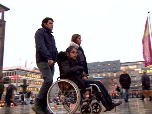 Noujain Mustaffa em Colônia, na Alemanha, onde vive agora com seus irmãos