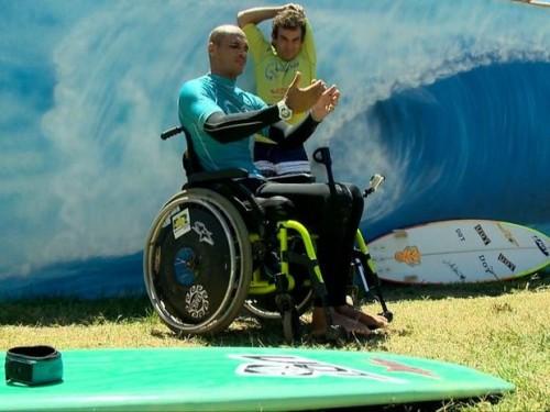 Carlos Kill conquistou o primeiro lugar no Campeonato Nacional de Surfe Adaptado.