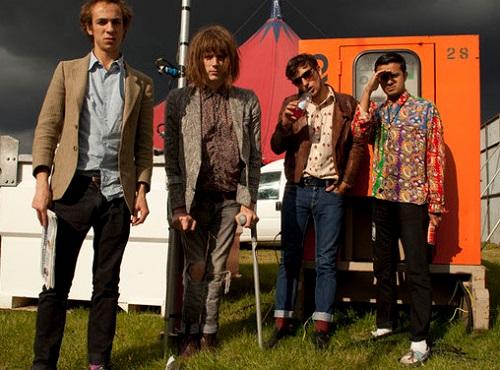 Blaine Harrison e Mais conhecido POR Ser o vocalista DOS Mystery Jets banda de indie de rock