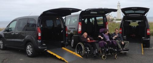 No Lyft, o Accessible Vehicle Dispatch tem carros equipados para transportar cadeiras de rodas e motoristas preparados