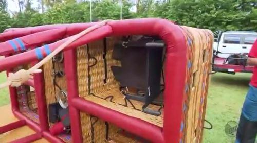 Balão possui plataforma para fixar cadeira rodas durante voo