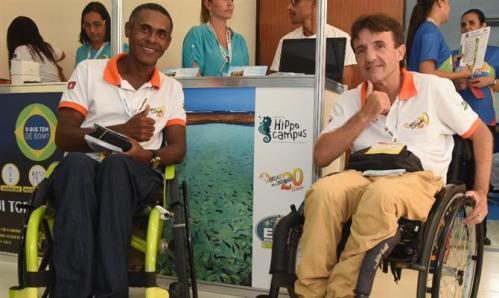 Jonas Souza e Michael Peneveyre, da Associação Rodas da Liberdade
