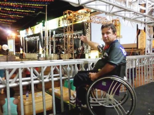 Taciano Wanderley idealizou camarote para garantir a visibilidade do palco por pessoas com deficiência