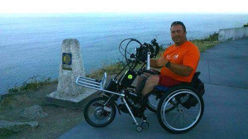 Carlos Sanchís, lesionado medular, está dando la vuelta a España con su 'handbike'