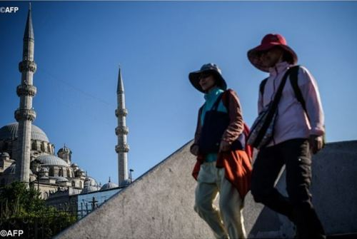 O turismo não é somente uma oportunidade, mas deve ser um direito de todos