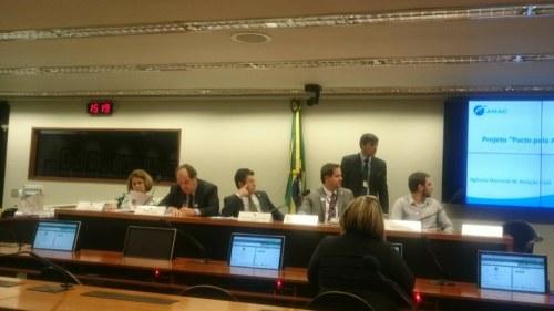Sessão abordou os principais desafios e práticas sobre a acessibilidade no transporte aéreo