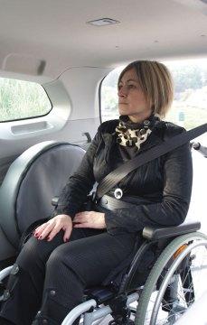 Cintos de segurança para a cadeira de rodas e o passageiro