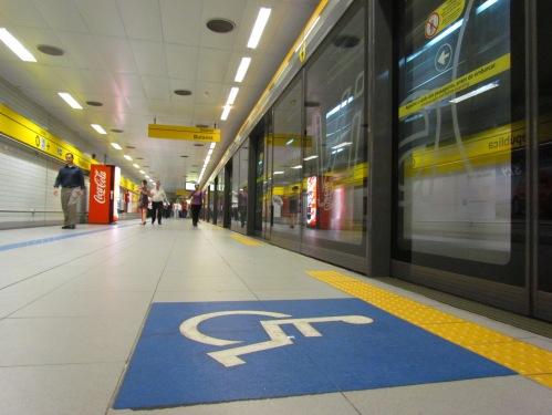 O Metrô de São Paulo é uma das únicas opções possíveis para deslocamento em grupo com acessibilidade