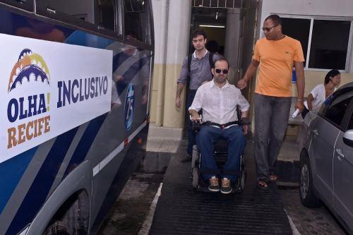 Passeio para pessoas com deficiência leva o nome de Olha! Recife Inclusivo