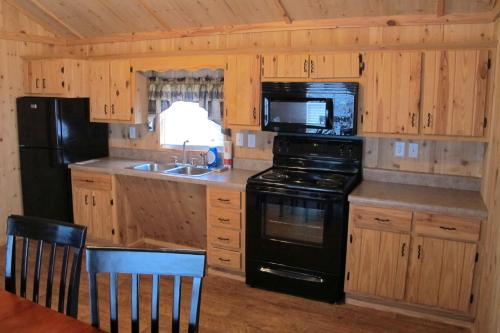 a-one-bedroom-cabin-at-bear-creek-campground