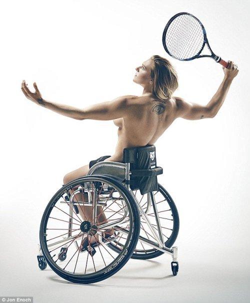 a-tenista-britanica-jordanne-whiley-que-sofre-de-um-disturbio-que-deixa-ossos-e-articulacoes-muito-frageis