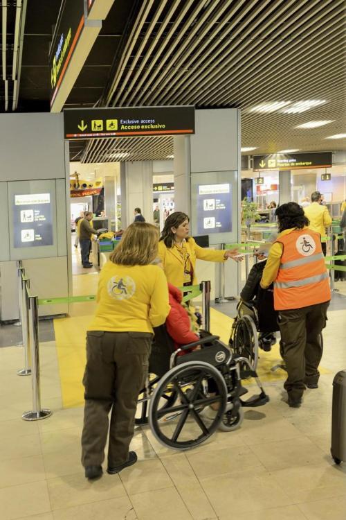 Seguindo-alguns-simples-dicas-podem-ajudar-reduzir-tsa-agentes-estresse-níveis-e-aqueles-de-viajantes-que-use-cadeiras de rodas