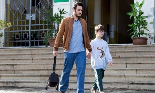 o-ator-e-comediante-marcos-veras-contracena-com-o-menino-pedro-vinicius-de-9-anos-na-adaptacao-do-livro-o-filho-eterno