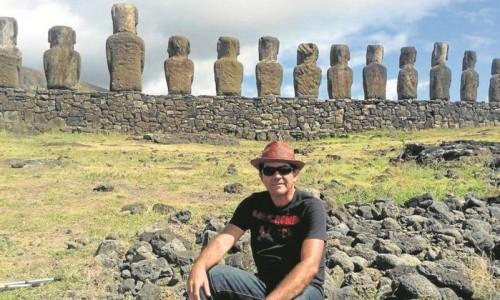 o-engenheiro-luiz-thadeu-na-ilha-de-pascoa-104-paises-no-curriculo-de-viajante