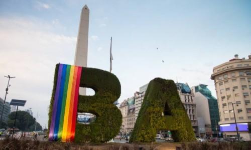 obelisco-e-bandeira-arco-iris-buenos-aires-foi-reconhecida-como-melhor-destino-lgbt-na-america-latina