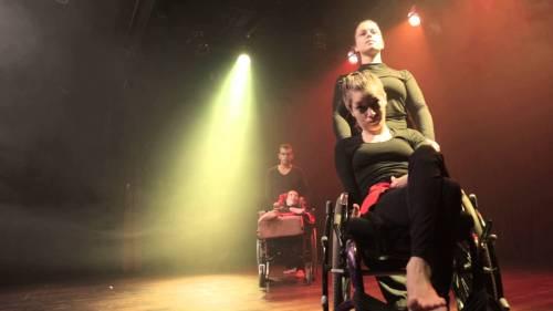 similitudo-e-o-terceiro-espetaculo-do-projeto-pes-de-teatro-danca-para-pessoas-com-deficiencia-estreado-em-2015