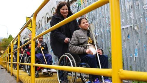 uno-de-los-obstaculos-que-se-encontraron-los-participantes-de-la-actividad-que-pretender-mostrar-las-barreras-urbanas